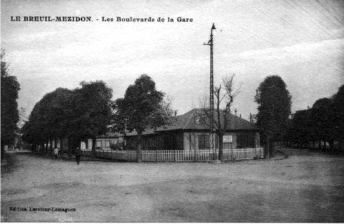 Le Breuil - Gare SNCF (avenues devant la gare)