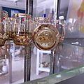 Verres à liqueur en verre soufflé émaillé vintage