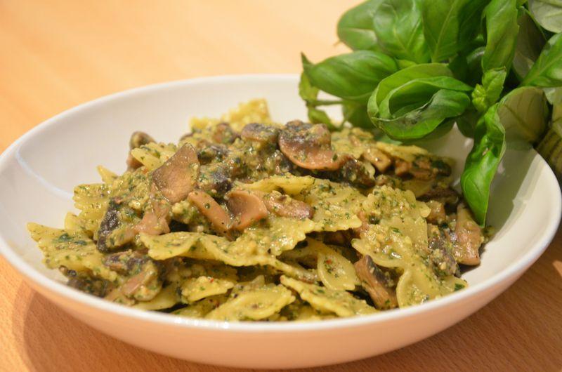 Pâtes au pesto et champignons (végétalien, allégé) - La cuisine ...