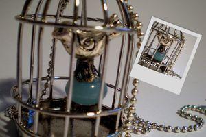 Montage_sautoir_cage_et_perle_bleue_2