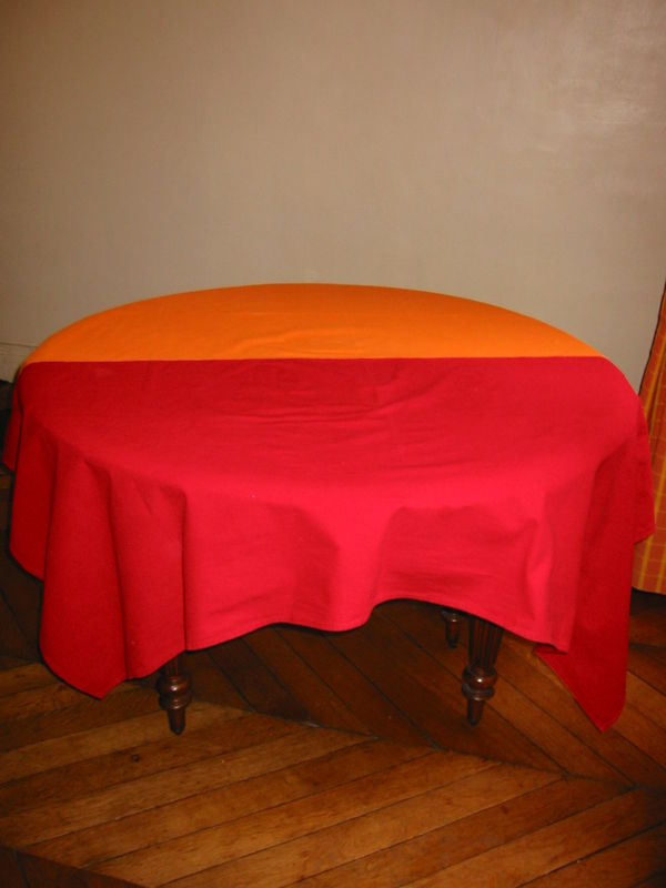 nappe rouge et orange