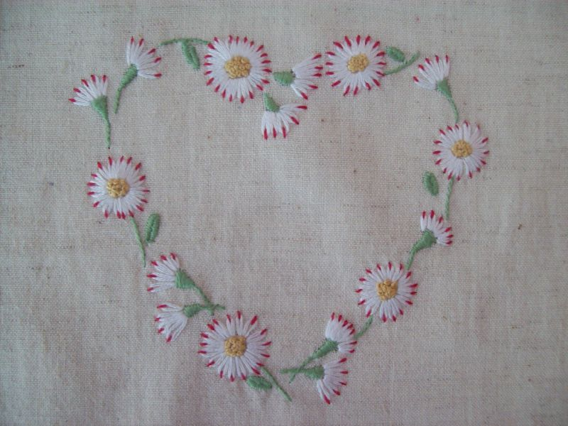 Coeur marguerite broderie traditionnelle 2 photo de - Broderie traditionnelle grille gratuite ...