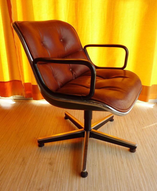 fauteuil design pollock pour knoll le cri du placard. Black Bedroom Furniture Sets. Home Design Ideas