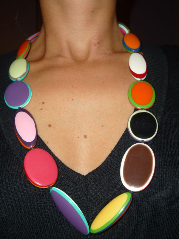 Résine multicolore - collier