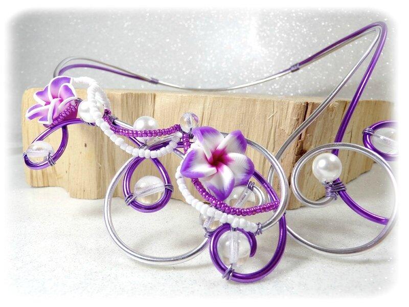 Collier fleur de Tiaré mauve blanc argent fil aluminium fait main mariage