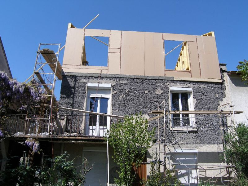 Rehausser une maison cout chantier de rehausse dun for Cout de demolition maison