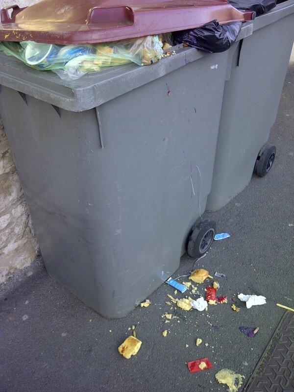 poubelle catho