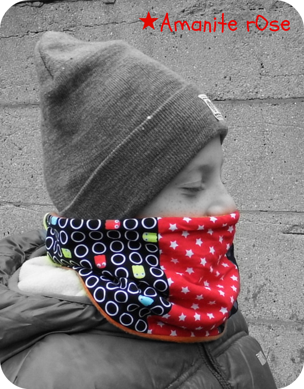 Snood patchwork pac man