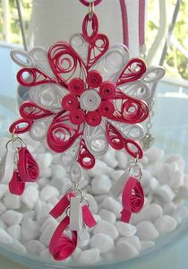 collier quilling blanc rose 1