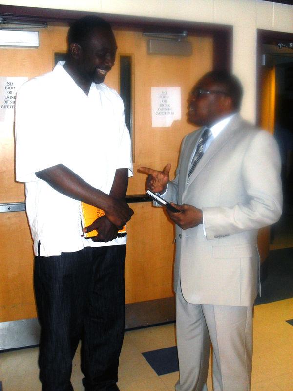 JP_BUSE_echange_avec_Ilo_Mutombo_apr_s_un_culte___Washington