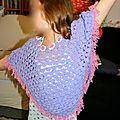 Un poncho au crochet pour enfant