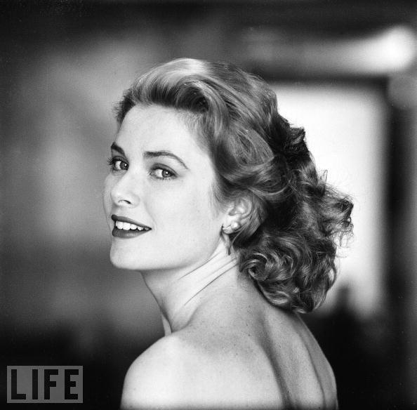 grace-kelly-hollywood-1954
