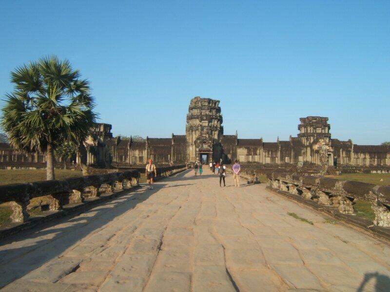 Angkor Vat. Entrée ouest.