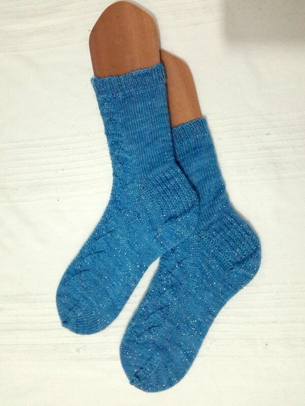 1-cup_of_tea_socks-A