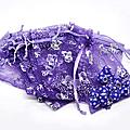 Lot de 100 sachets dragées violets foncés neufs (réf dra-vio-pap)