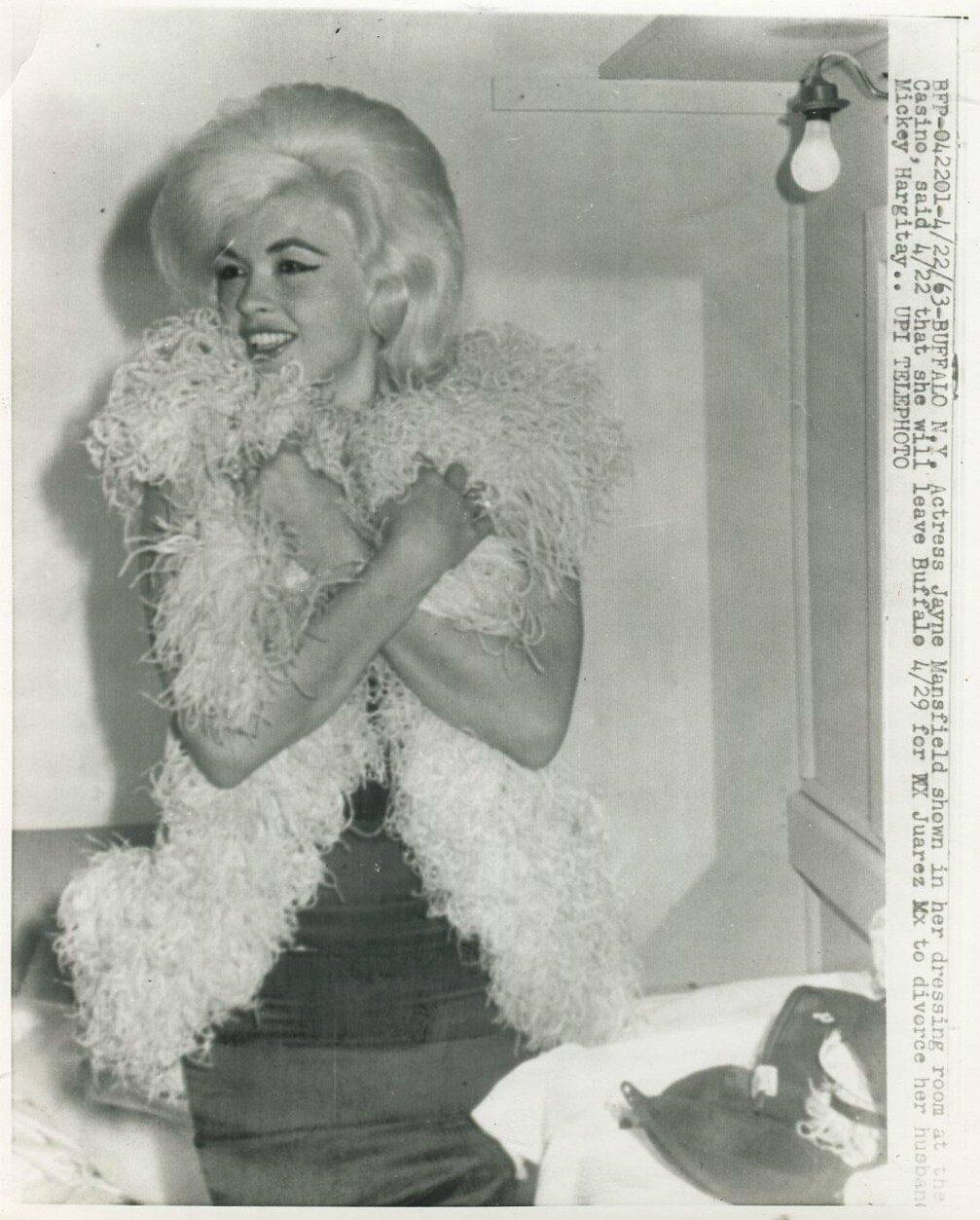 jayne-1963-04-22-buffalo-casino
