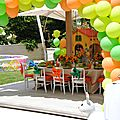 CHILDREN TABLE AND BALLOONS