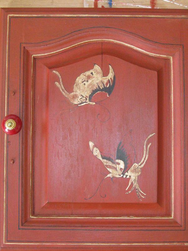 Meuble en bois peint photos de conception de maison for Vernir un meuble peint
