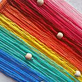 Diy : un tissage arc en ciel