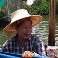 BANGKOK : la même vendeuse là pour étancher notre soif.