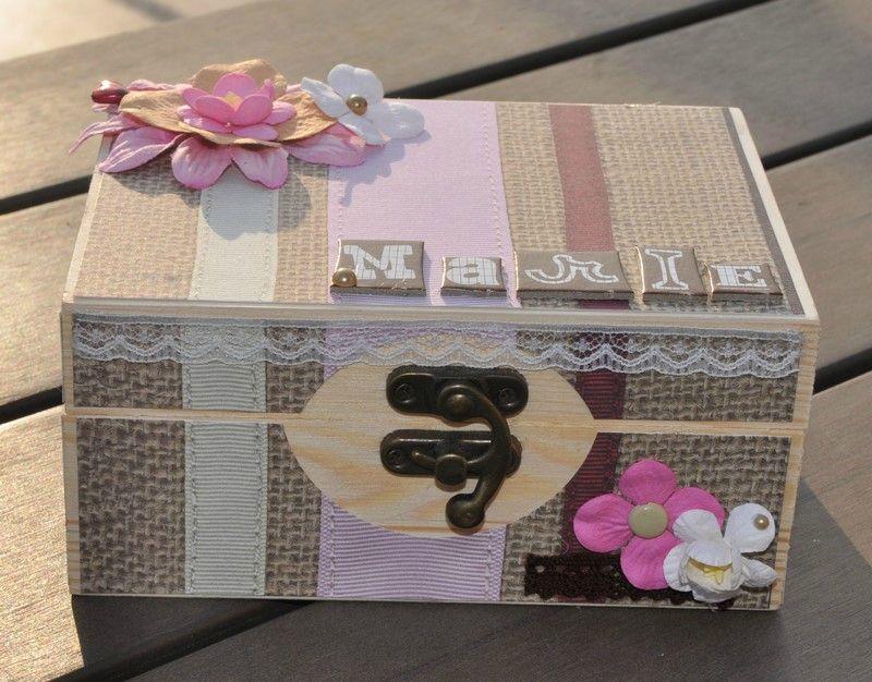 customiser boite en carton photos de conception de. Black Bedroom Furniture Sets. Home Design Ideas