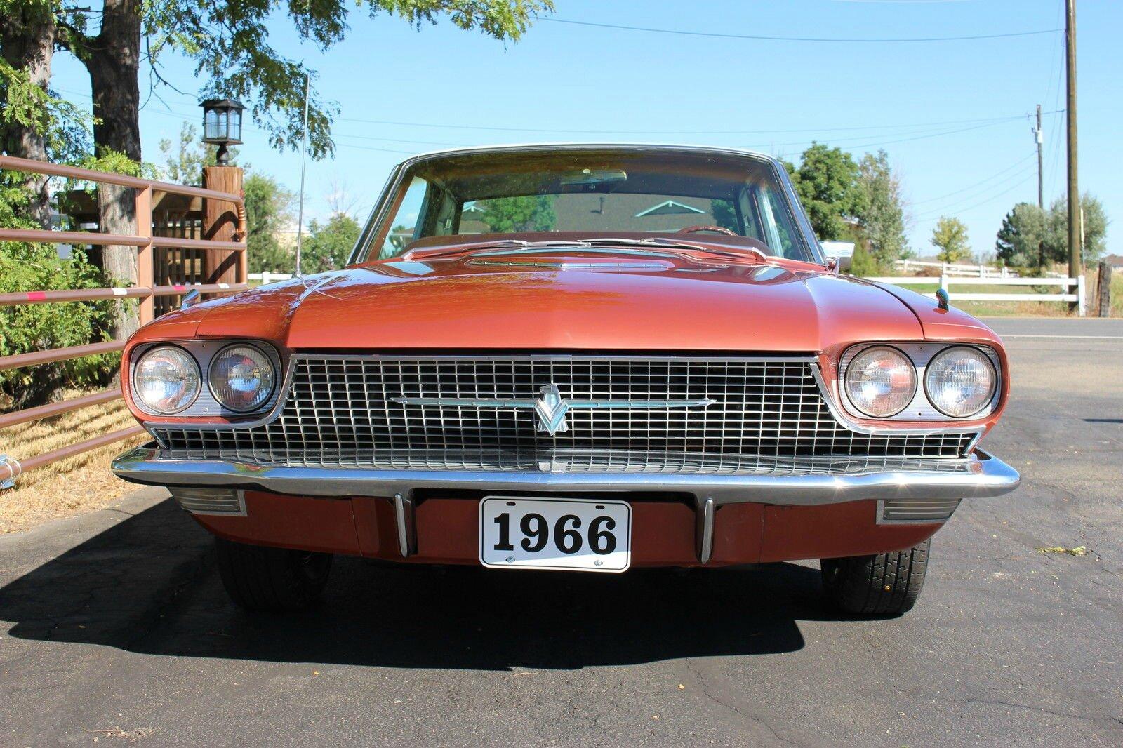 la recherche de la voiture l 39 annonce ebay motors une ford thunderbird 1966 en france dans. Black Bedroom Furniture Sets. Home Design Ideas