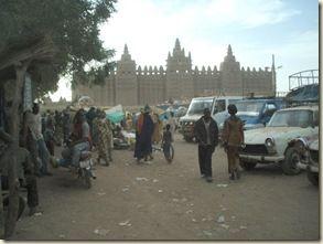 taxis-brousse et bâchées Djenné Mali