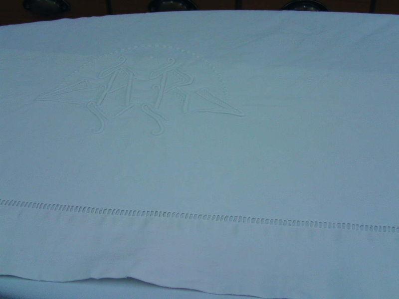 Une cr ation sur mesure une housse d 39 dredon ar d co for Fabriquer un drap housse