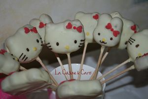 cake_pops_hello_kitty