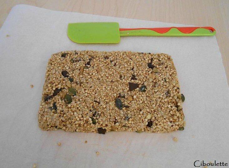 Barres de céréales aux figues séchées, noix & pépites de chocolat 1