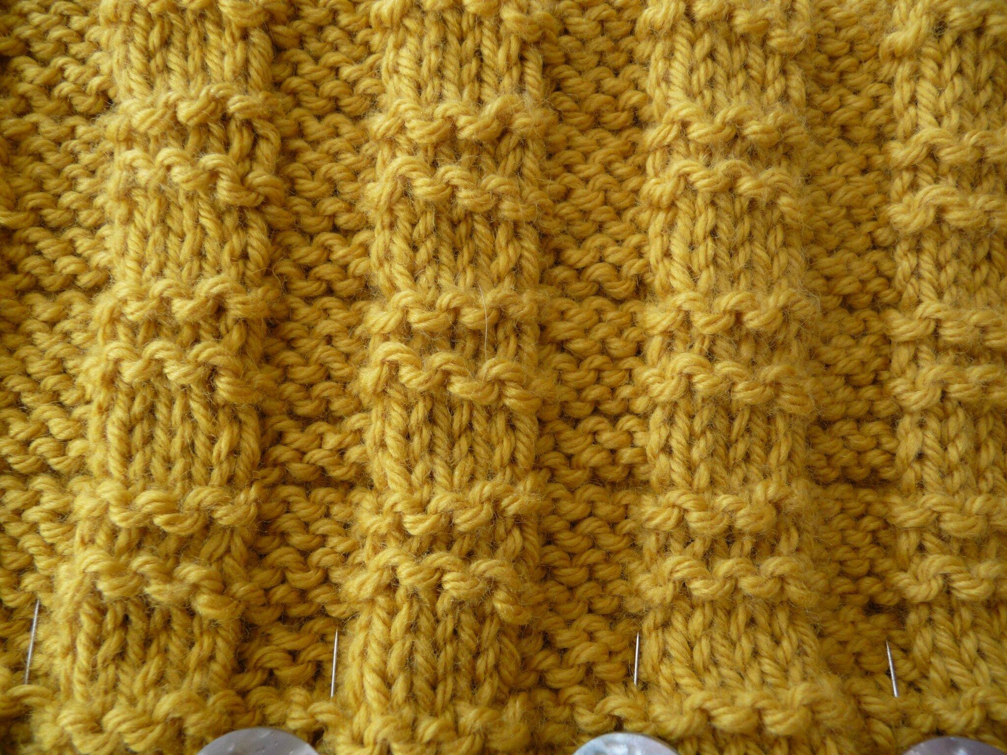 Un snood multi positions facile tricoter la malle aux mille mailles - Monter mailles tricot debutant ...