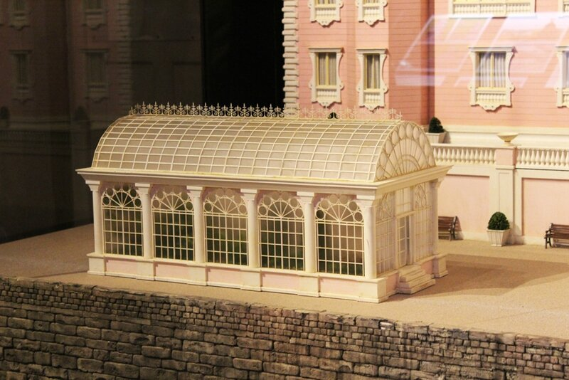 wes-anderson-follow-me-white-rabbit-alice-musee-miniature-lyon (12)