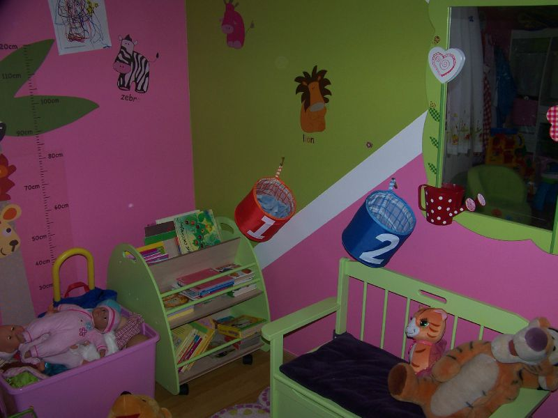 salle de jeux photo de le jeu assistante maternelle maison des loulous. Black Bedroom Furniture Sets. Home Design Ideas