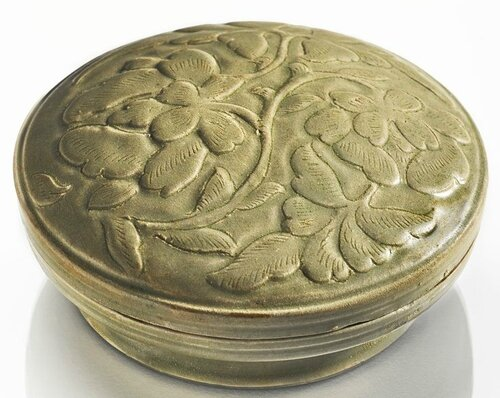 A 'Yue' box and cover, Northern Song dynasty