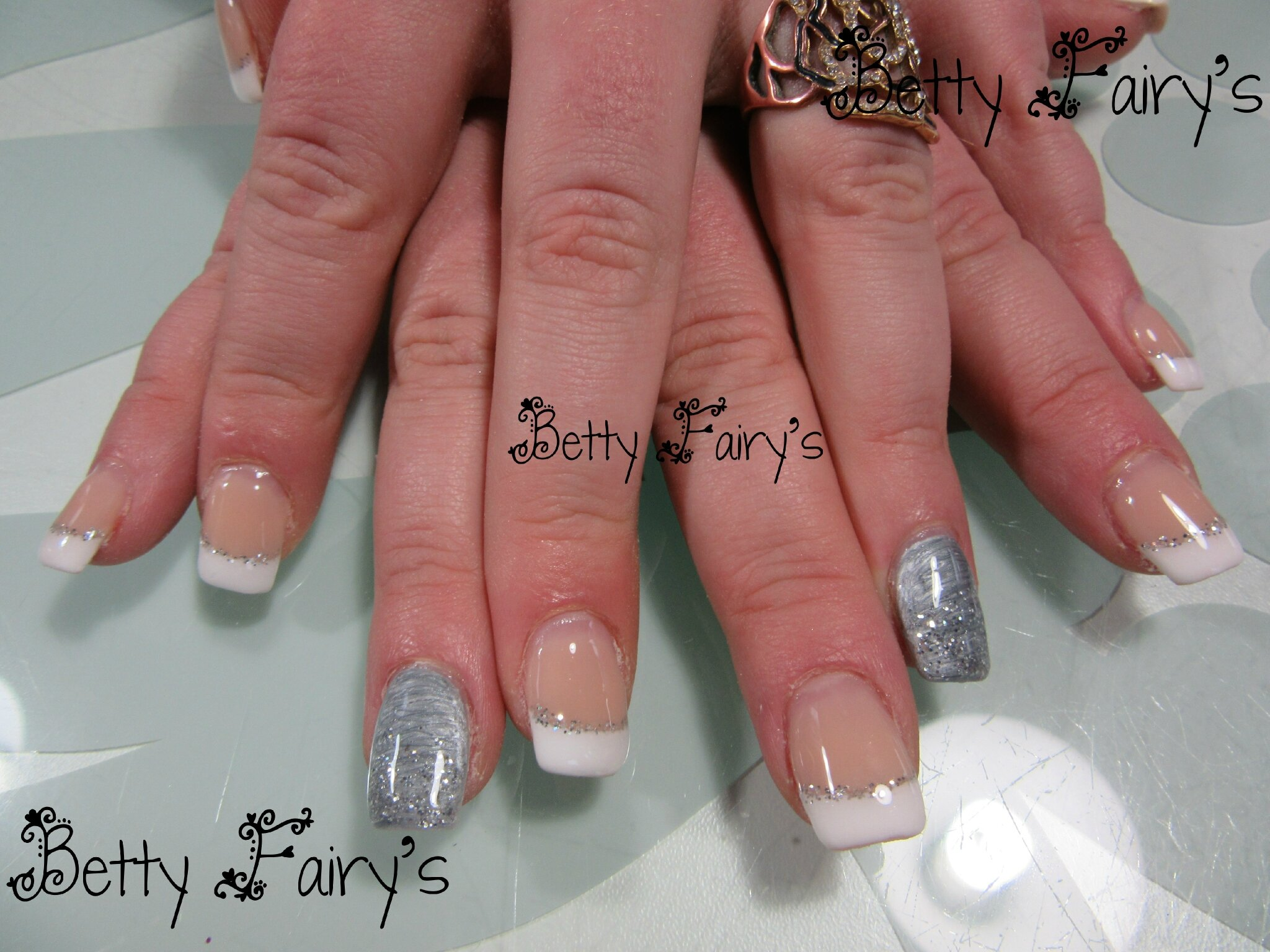 Ongle en gel french gris - Ongle gel french ...