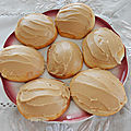 Galettes blanches, glaçage sucre à la crème