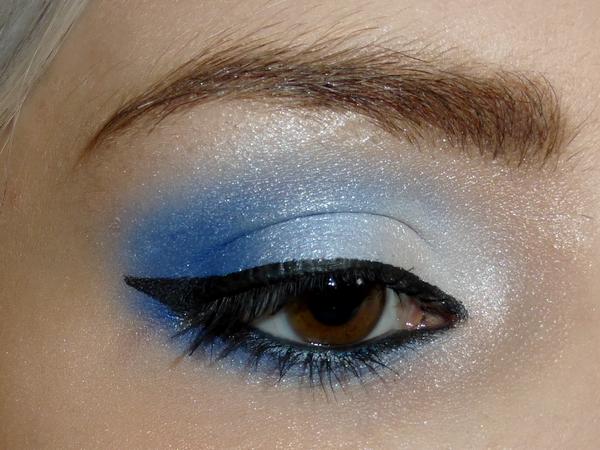 bluewhite3
