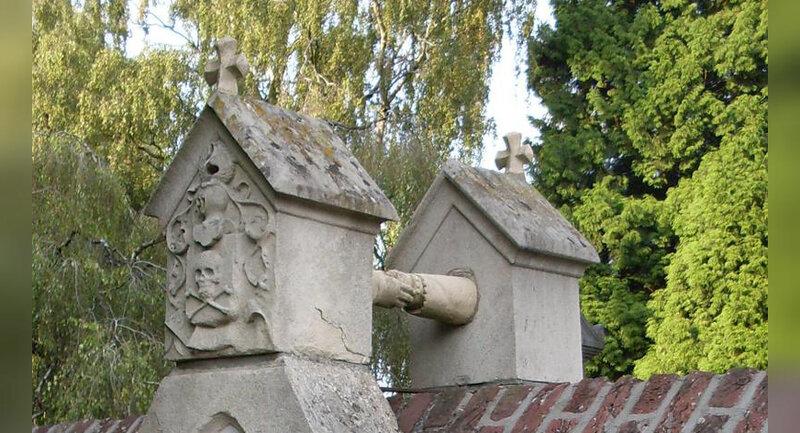 Tombe aux mains - cimetière de Ruremonde aux Pays-Bas