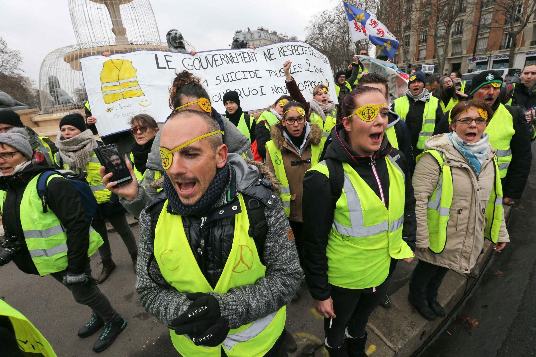 Les « gilets jaunes » défilent contre les violences policières. © Michel Stoupak. Sam 02.02.2019, 10h53m17.