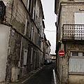 Une ruelle ... étroite !!!