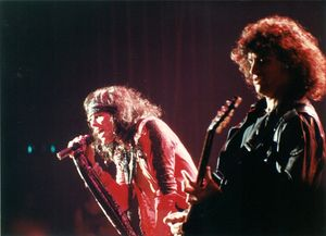 1989_11_Aerosmith_Hammersmith_Odeon_02