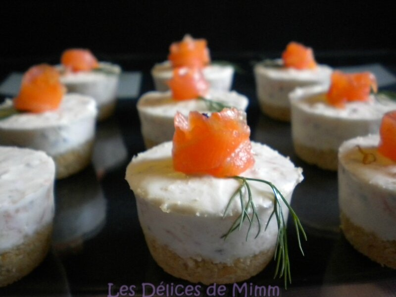 Mini cheesecakes au saumon fumé