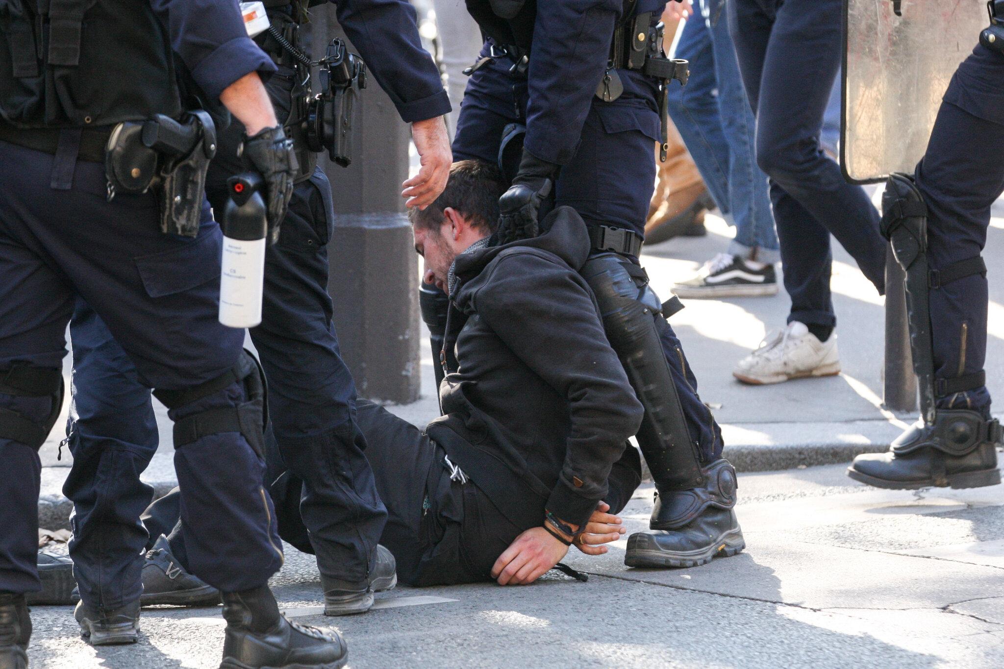 Heurts entre manifestants et gendarmes à Paris. © Michel Stoupak. Mar 09.10.2018, 14h58m06.