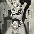 jayne_bikini_leopard-1956-10-with_mickey-in_leopard-3-4