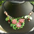 collier bouquet de roses [640x480]