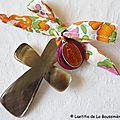 Croix de l'Immaculée orange et médaille fushia (sur ruban Liberty Betsy orange)-001