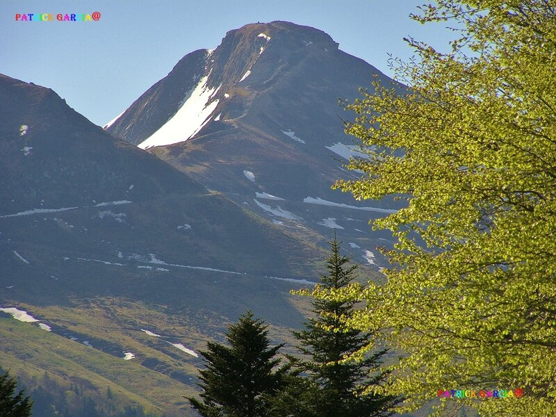 PUY MARY 0829