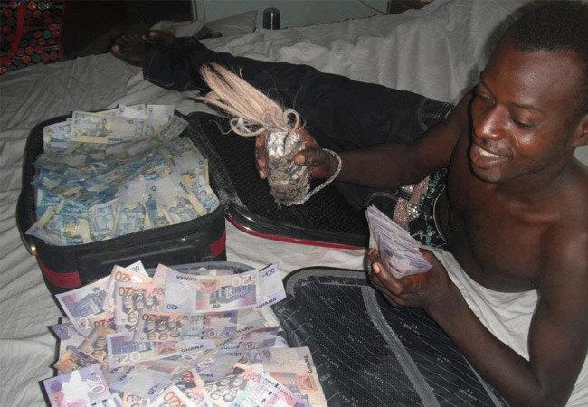 VRAI TEMOIGNAGE PORTEFEUILLE MAGIQUE ( porte monnaie magique ) SUR LE MEDIUM AFRICAIN SERIEUX CHAFFA ELIE