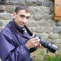 2009 05 02 Cyril avec son appareil photo entre ses mains