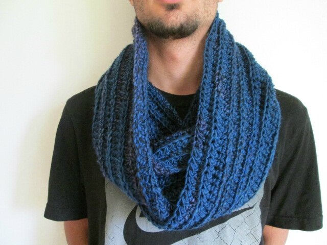 Snood Mr Mars (1)